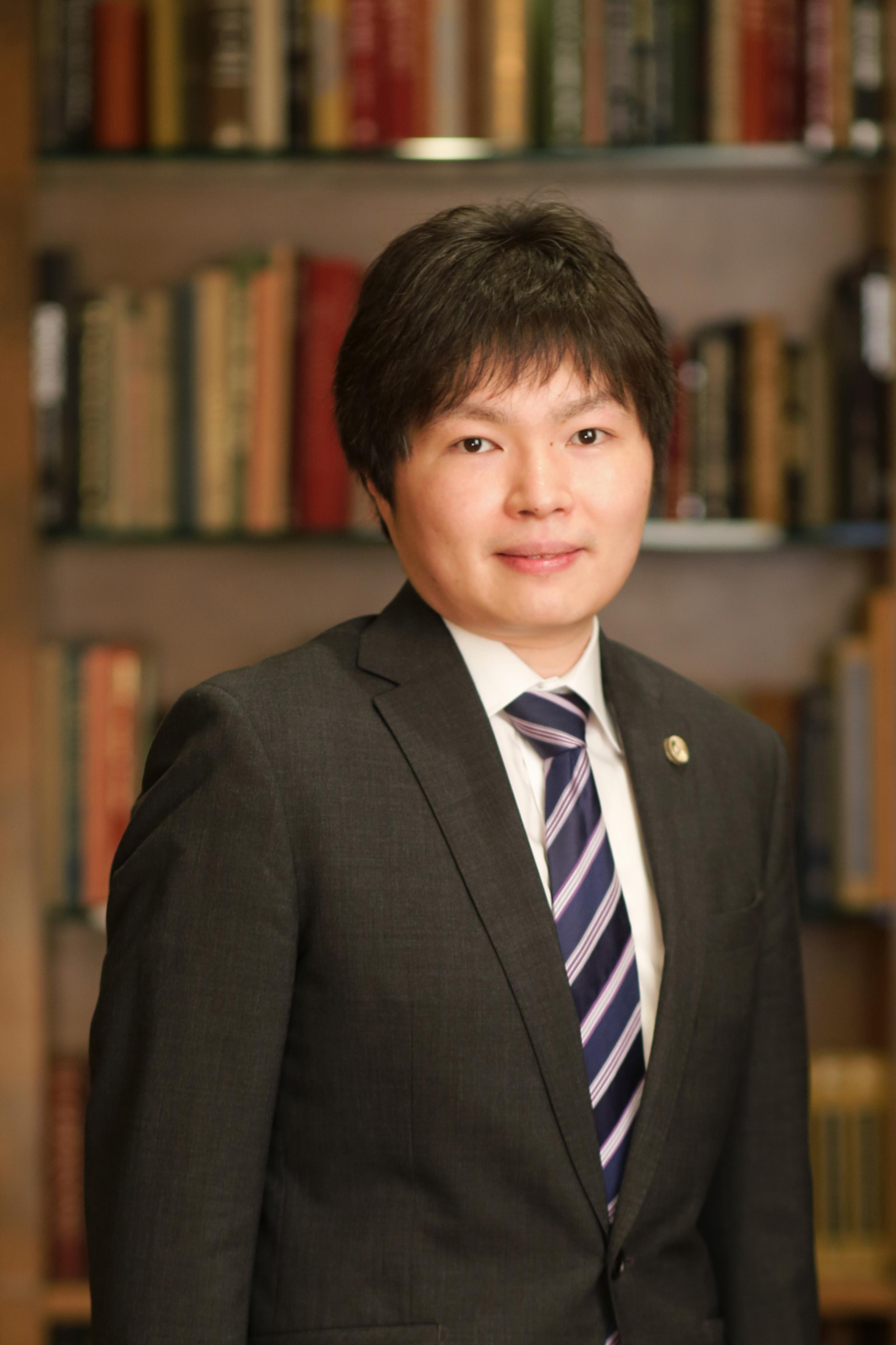 弁護士坂本龍彦