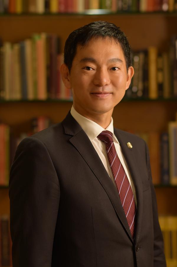 弁護士紫牟田洋志